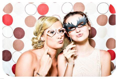 """Cabina foto la nunta? 5 motive sa spui """"DA!"""""""